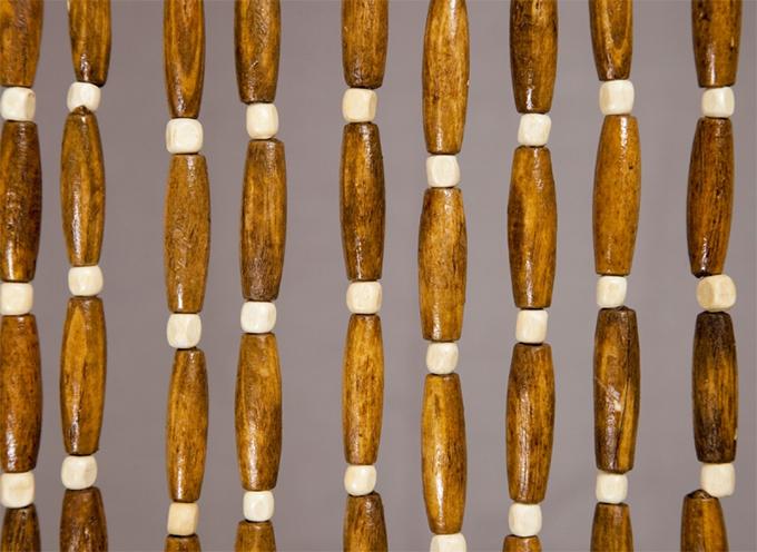 Le rideau de perles proven al terre meuble for Rideau pour ne pas etre vu de l exterieur