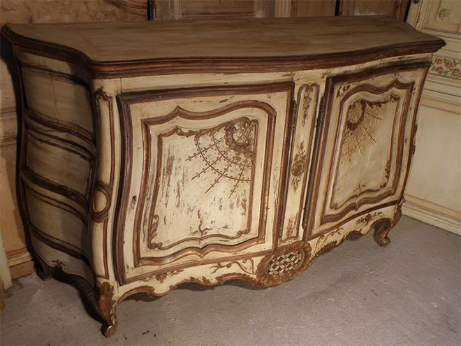 Buffet polychrome Aveyronnais époque 19ème siècle - Crédit proantic.com