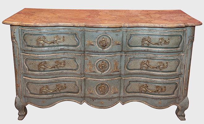 Rare commode arbalète à décor polychrome bleu et or - Travail provençal milieu du 18ème siècle
