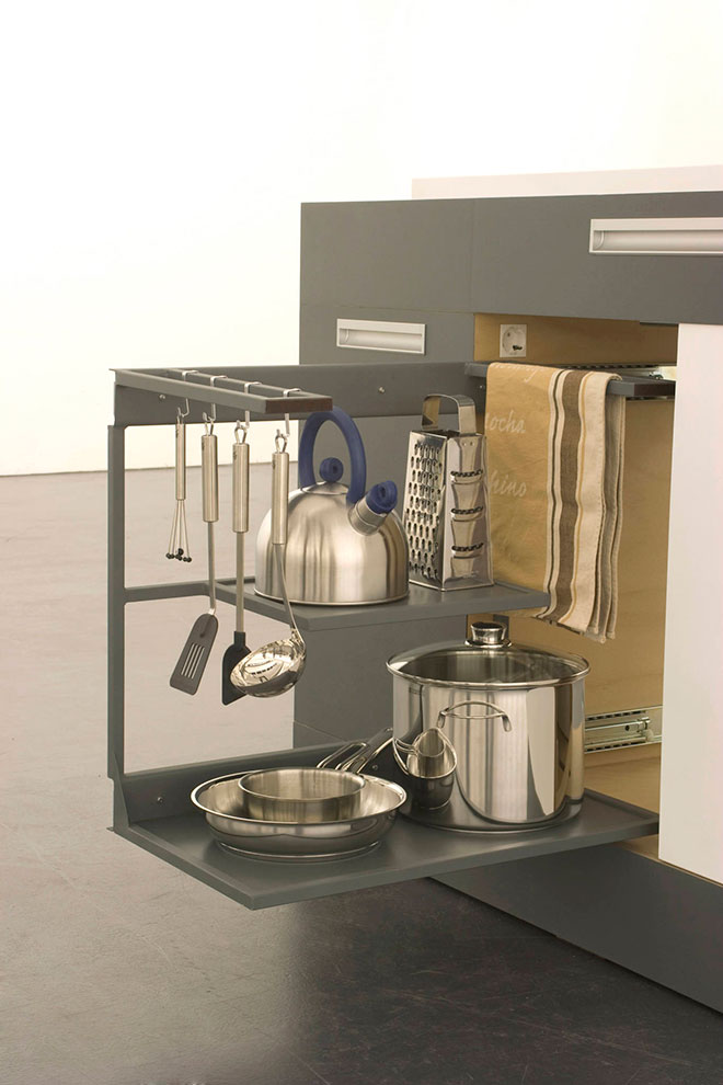 Espace rangement pour batterie de cuisine - © Kristin Laass et Norman Ebelt