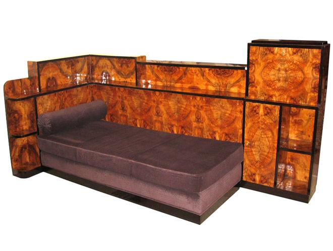 Cosy corner avec meuble bar style Art Déco placage noyer - Crédit internet
