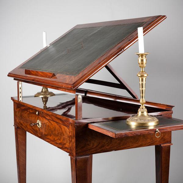 Table à la Tronchin en acajou époque 19eme siècle - Crédit decofinder.co.uk