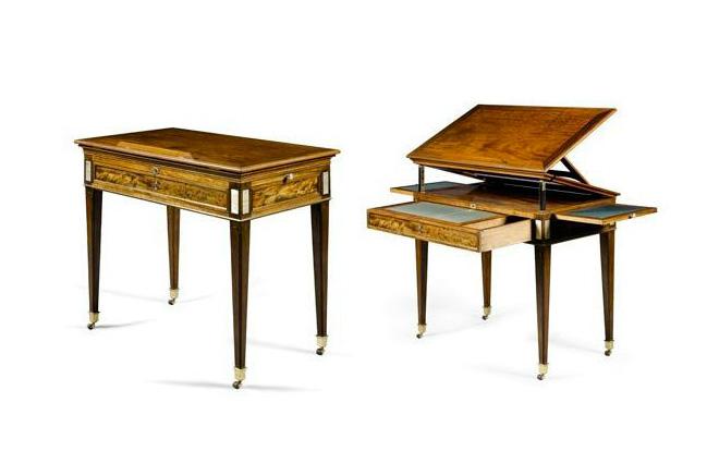 Table à la Tronchin estampillée J.H. RIESENER en ébène et acajou de la fin de l'époque Louis XVI - Crédit Sotheby's