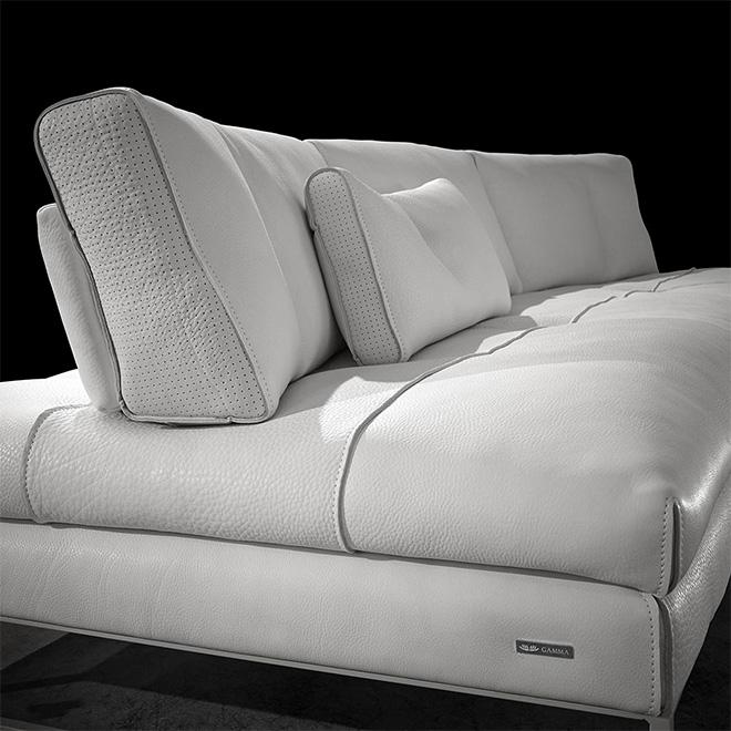 Assises et dossiers revêtus d'un cuir italien de qualité très supérieure - © Gamma
